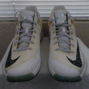 Mens Nike KD Trey 5 IV Size 10